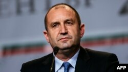 Rumen Radev, candidate of the opposition Socialists, attends a news conference, in Sofia on November 6/