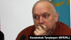 """Лидер оппозиционной партии """"Алга"""" Владимир Козлов."""