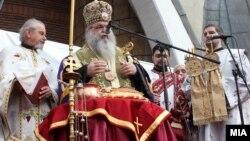 Архиепископот Охридски и Македонски г.г.Стефан на Бадник во Скопје.