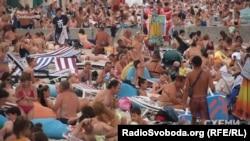 Де ж відпочивати пересічним пляжникам в Одесі?