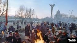 Литва -- Вилнюсехь парламентана хаьлха Iаш бу хIара маршо яккха арабевлла нах.16Деч1991
