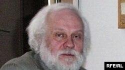 Петр Вайль