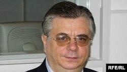 Банки не могут кредитовать потенциальных банкротов, напоминает Александр Мурычев