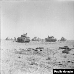 Брытанскія танкі каля Эль-Алямэйну чакаюць загад уступіць у бой. 27 кастрычніка 1942