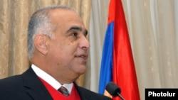 Րաֆֆի Հովհաննիսյան, արխիվ