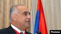 «Ժառանգության» առաջնորդ Րաֆֆի Հովհաննիսյանը, արխիվ