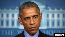 ABŞ-nyň prezidenti Barak Obama ybadathana hadysasyna reaksiýa bildirip, Ak tamda çykyp gürledi.18-nji iýun, 2015 ý.