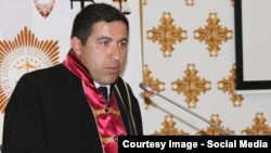 """Тәжікстан ислам қайта өрлеу партиясының"" заңгері Бузургмехр Еров"
