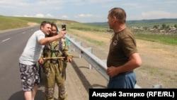 Дальнобойщики помогли деньгами и попросили в Москве замолвить за них слово