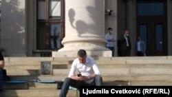 Boško Obradović ispred Skupštine Srbije, 10.maj