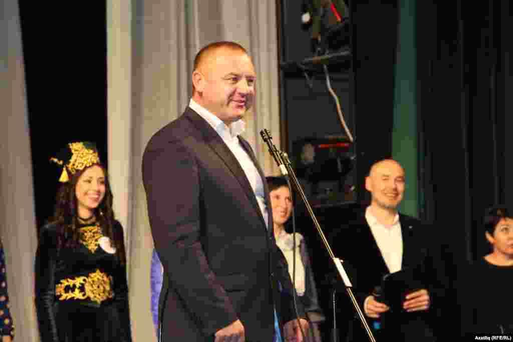 Бәйгене оештыручылардан- - Бөтенрусия татар авыллары оешмасы рәисе Рәшит Сәнҗапов