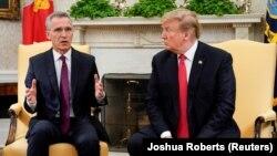 Presidenti i SHBA-së, Donald Trump dhe sekretari i Përgjithshëm i NATO-s, Jens Stoltenberg