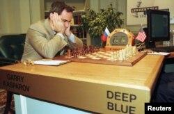 Гары Каспараў перад партыяй з Deep Blue, травень 1997