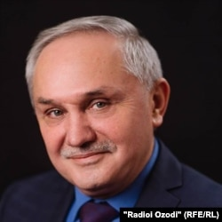 Абдумалик Кодиров.