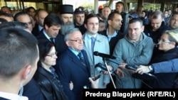 Doček ratnog zločinca generala Lazarevića na niškom aerodromu, decembar 2015.