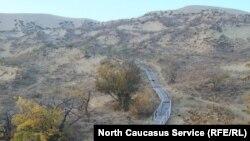 Дорожка по уникальному бархану Сарыкум в Дагестане
