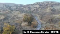 Дорожка по бархану Сарыкум в Дагестане
