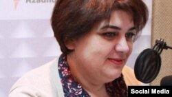 Журналіст-розслідувач Хадіджа Ісмаїлова в студії азербайджанської редакції Радіо Свобода
