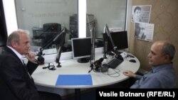 Moldova, Boris Volosatai, headmaster of G.Asachi highschool from Chisinau, Valeriu Vasilica, journalist