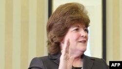 Шефицата на американската Тајна служба, Џулија Пирсон.