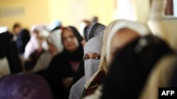 Žene na glasačkom mestu u Kairu
