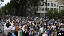 خیابان ولی عصر راهپیمایی طرفداران میرحسین موسوی