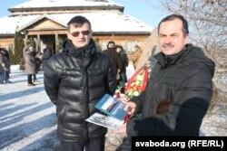 Алесь Мех (справа) і Анатоль Бензярук