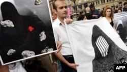فعالان حقوق بشر خواستار لغو مجازات سنگسار هستند