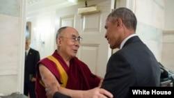 Президент США Барак Обама встретился с Далай-ламой XIV.