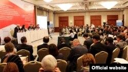 Өнүктүрүү саясат институту уюштурган эл аралык конференциядан бир көрүнүш
