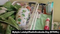 Родильные отделения в городах Донбасса постепенно приобретают новый вид