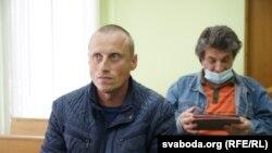 Валера Сьмяяна суд пакараў штрафам за акцыю ў падтрымку Ціханоўскага