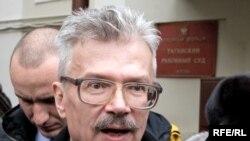 Эдуард Лимонов - писатель и политик