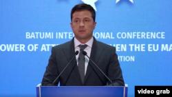 Volodimir Zelenszkij ukrán elnök Grúziában