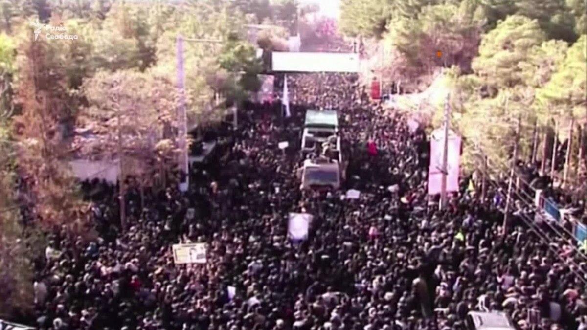 Десятки людей погибли в давке на похоронах генерала Солеймани в Иране – видео