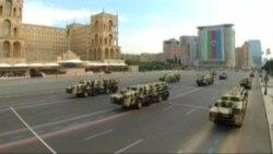 В военном параде в Баку приняли участие более 5 тысяч человек и 300 единиц боевой техники