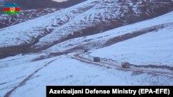 აზერბაიჯანის სამხედრო ავტომანქანები ქელბაჯარის გზაზე, 25 ნოემბერი, 2020 წელი.