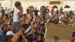 У вокзала Будапешта второй день протестуют мигранты