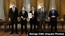 Liderii PNL, USR PLUS și UDMR, după semnarea acordului de coaliție