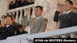Óriási katonai parádé Észak-Koreában
