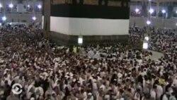 Как избежать давки в толпе: психологи дают советы тем, кто идет в хадж