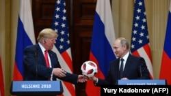 Путин мен Трамп Хельсинкидегі баспасөз мәслихатынан кейін. 16 шілде 2018 жыл.
