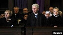 Меделин Олбрајт, Бил и Хилари Клинтон, на погребот на Вацлав Хавел