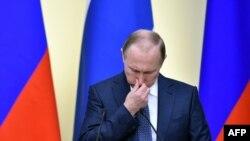 У Путина есть причины повесить нос