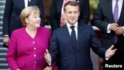 Френският президент Макрон седна на шофьорското място в Европа, след като канцлерът Меркел обяви, че ще се оттегли от политиката