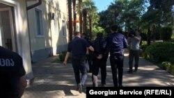 Обвинения задержанному участнику потасовки в Зугдиди на момент подготовки материала предъявлены не были