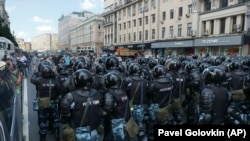 Дії силовиків під час акції протесту в Москві