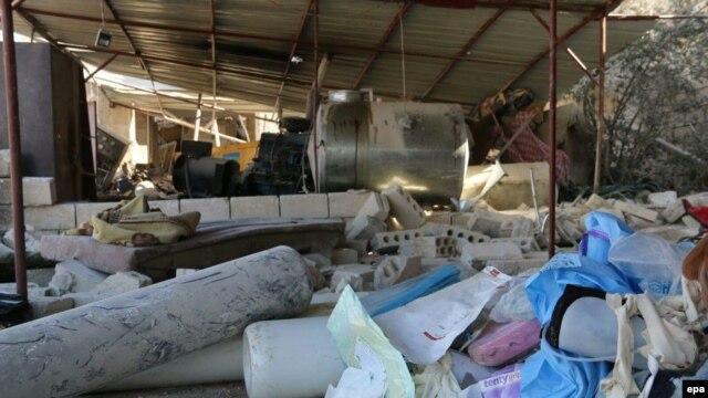 """Госпиталь группы """"Врачи без границ"""" в городе Мааррет-эн-Нууман после удара, как считают, российской авиации"""