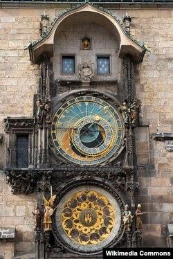 Прагадагы Астрономиялык саат. Ал 1410-жылдан бери иштейт.