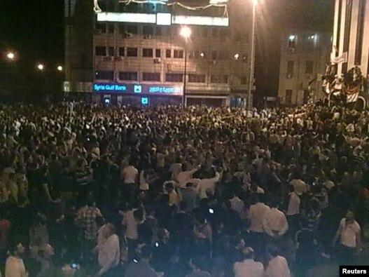 تحصن کنندگان سوری در شهر حُمص، ۲۹ فروردین